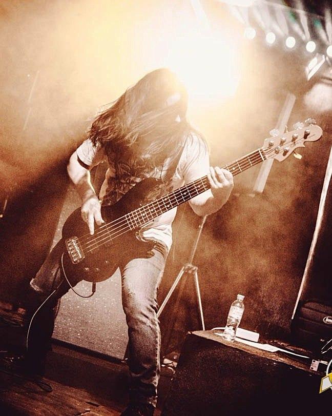 Epoch Crysis - Владимир Каплин - Бас-гитара